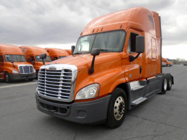 USED 2014 FREIGHTLINER CASCADIA SLEEPER TRUCK #116626