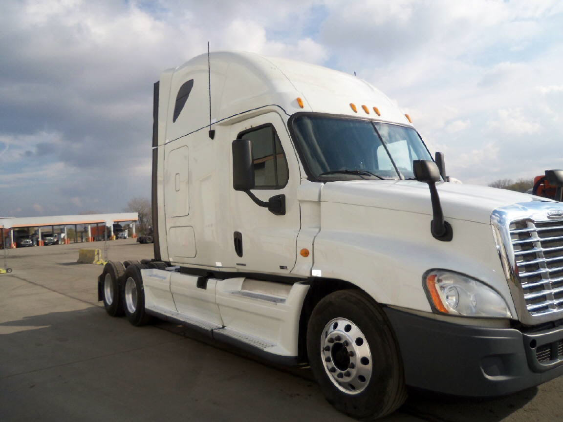 USED 2012 FREIGHTLINER CASCADIA SLEEPER TRUCK #54932