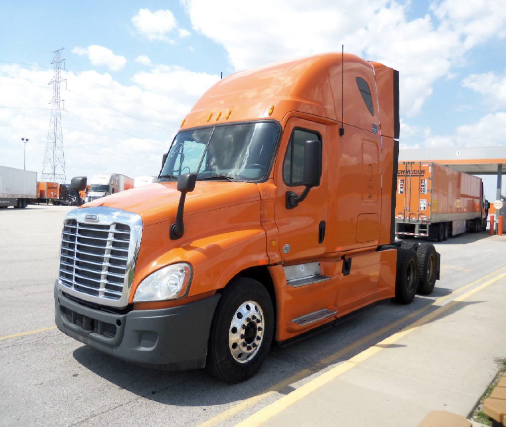 USED 2013 FREIGHTLINER CASCADIA SLEEPER TRUCK #79754