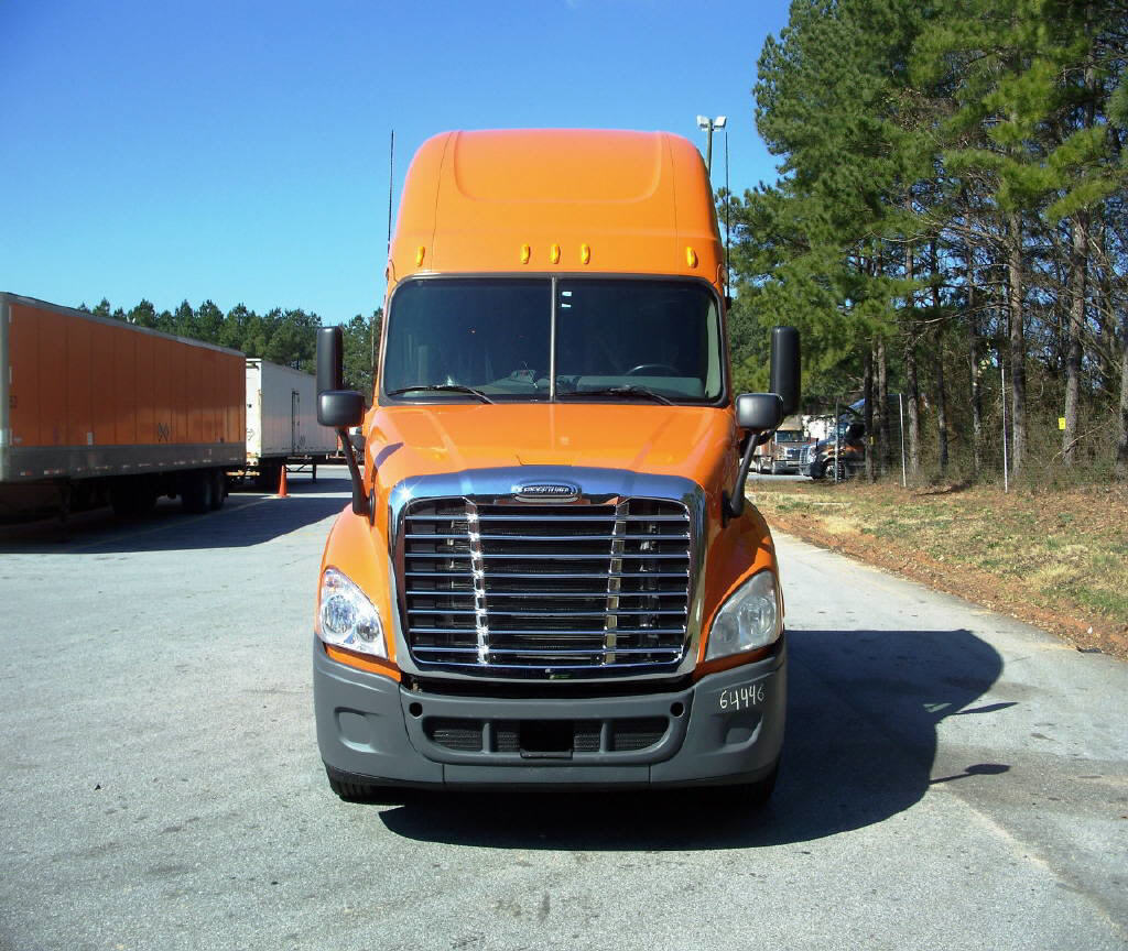USED 2012 FREIGHTLINER CASCADIA SLEEPER TRUCK #32160