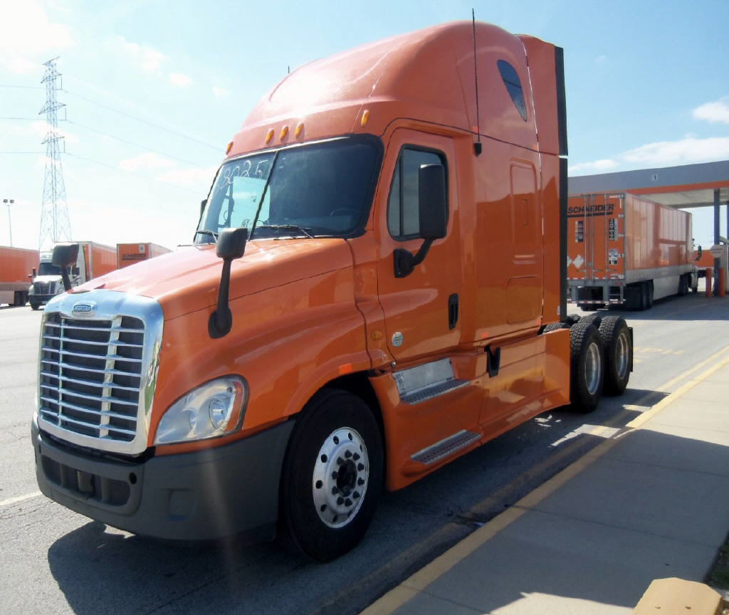 USED 2013 FREIGHTLINER CASCADIA SLEEPER TRUCK #77914