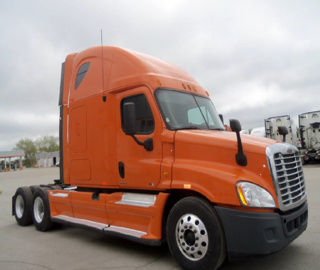 USED 2012 FREIGHTLINER CASCADIA SLEEPER TRUCK #82177