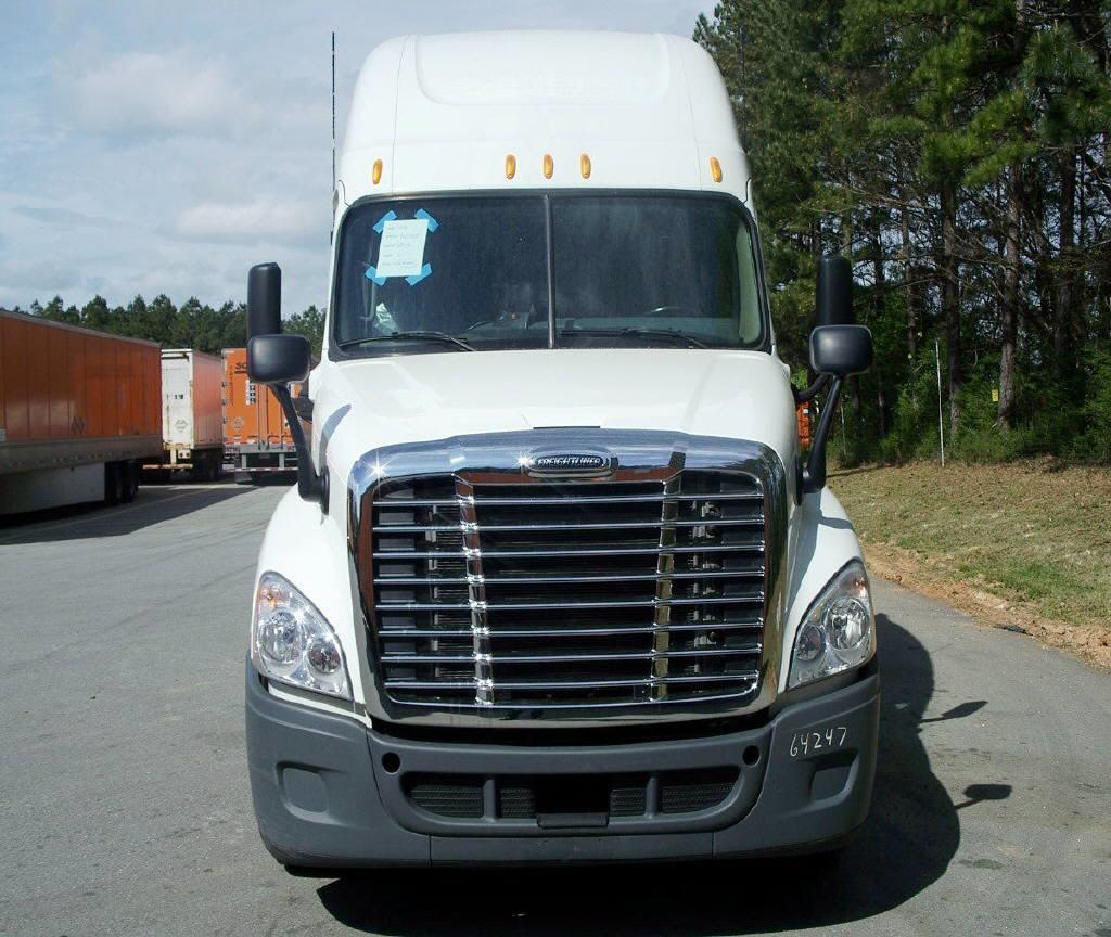 USED 2012 FREIGHTLINER CASCADIA SLEEPER TRUCK #50780