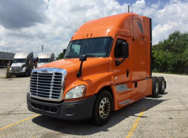 USED 2013 FREIGHTLINER CASCADIA SLEEPER TRUCK #86897