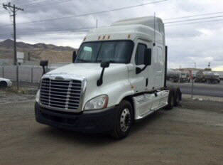 USED 2011 FREIGHTLINER CASCADIA SLEEPER TRUCK #103072