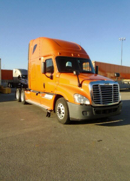 USED 2012 FREIGHTLINER CASCADIA SLEEPER TRUCK #83180