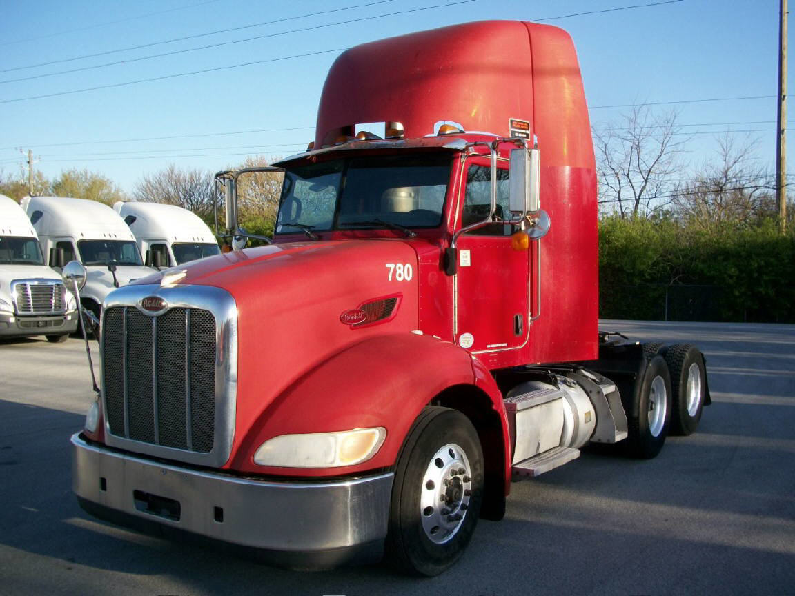 USED 2009 PETERBILT 384 DAYCAB TRUCK #122618