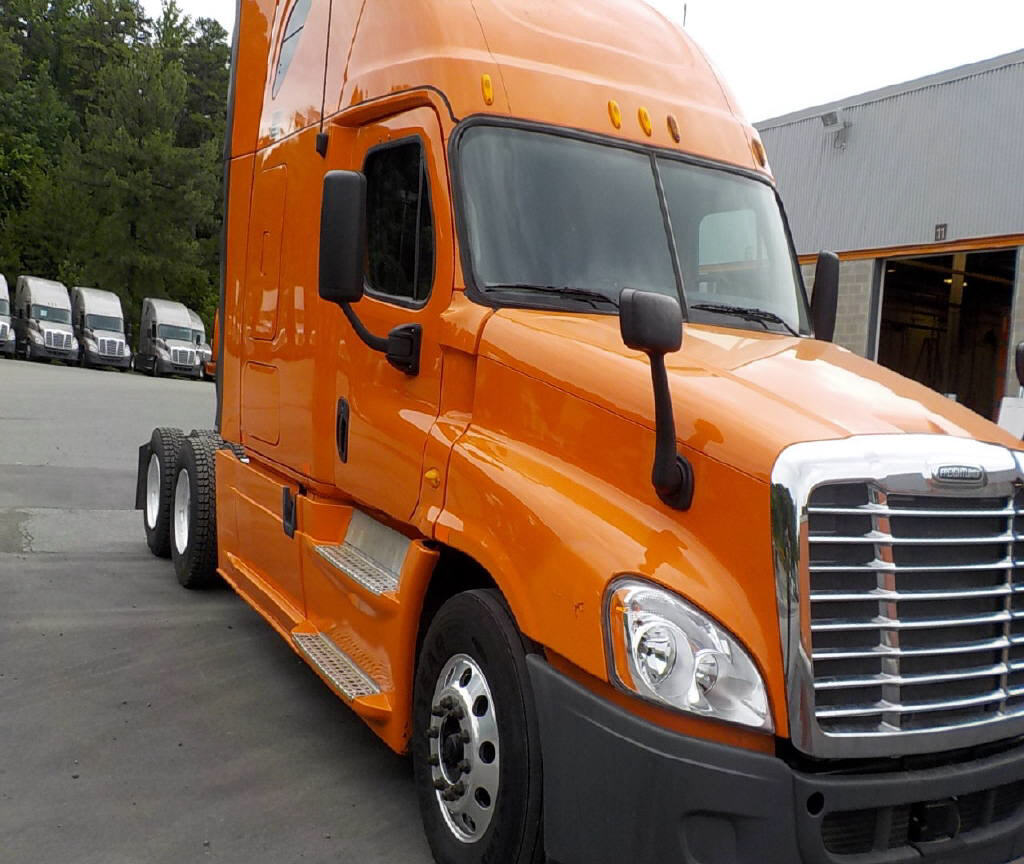 USED 2013 FREIGHTLINER CASCADIA SLEEPER TRUCK #87458