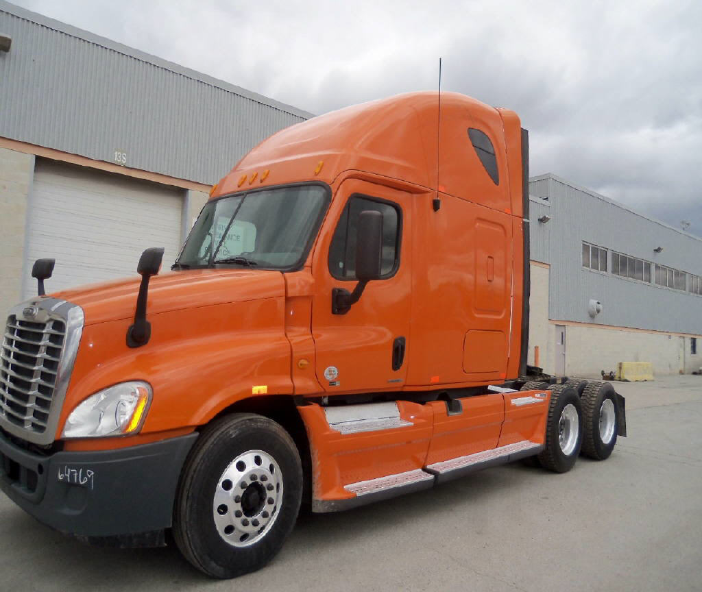 USED 2012 FREIGHTLINER CASCADIA SLEEPER TRUCK #80941