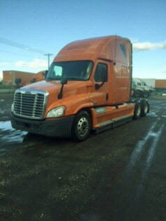 USED 2012 FREIGHTLINER CASCADIA SLEEPER TRUCK #78021