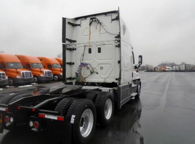 2014 Freightliner Cascadia for sale-59084797