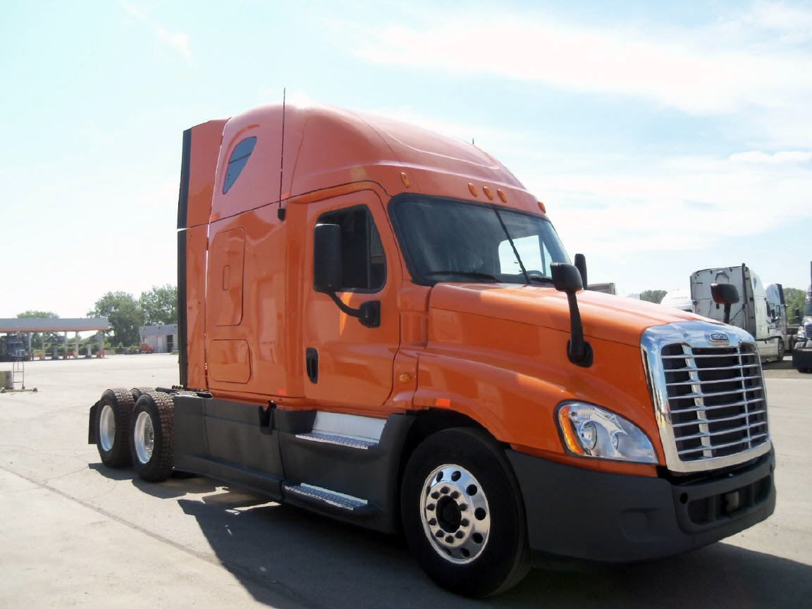 USED 2013 FREIGHTLINER CASCADIA SLEEPER TRUCK #91510