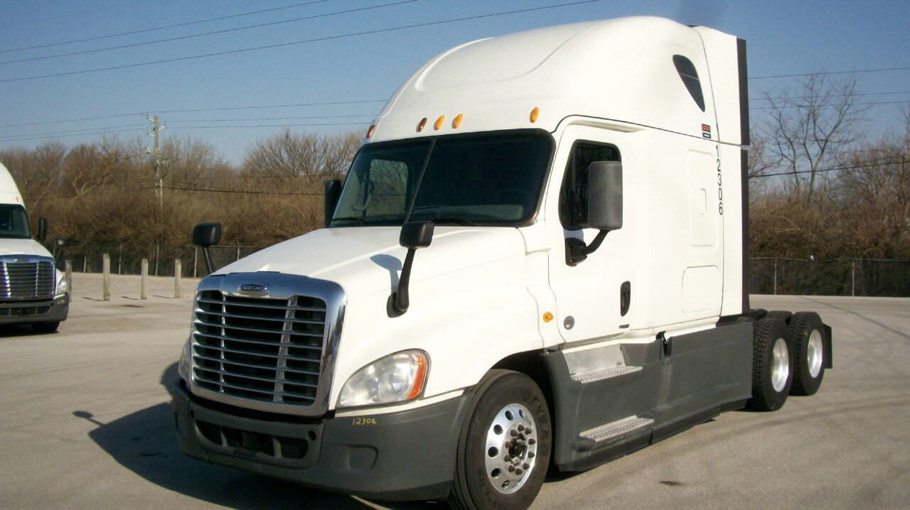 USED 2014 FREIGHTLINER CASCADIA SLEEPER TRUCK #120176