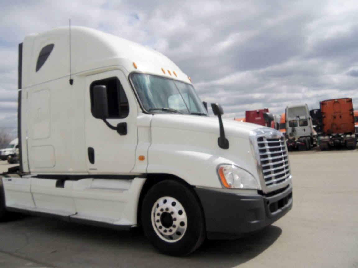 USED 2012 FREIGHTLINER CASCADIA SLEEPER TRUCK #80930