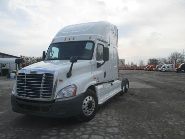 USED 2012 FREIGHTLINER CASCADIA SLEEPER TRUCK #77195