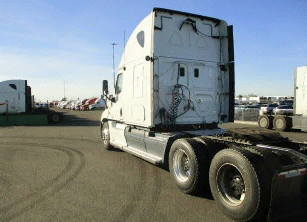 2012 Freightliner Cascadia for sale-55677261