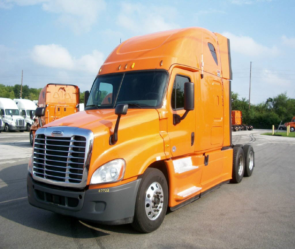 USED 2013 FREIGHTLINER CASCADIA SLEEPER TRUCK #91523