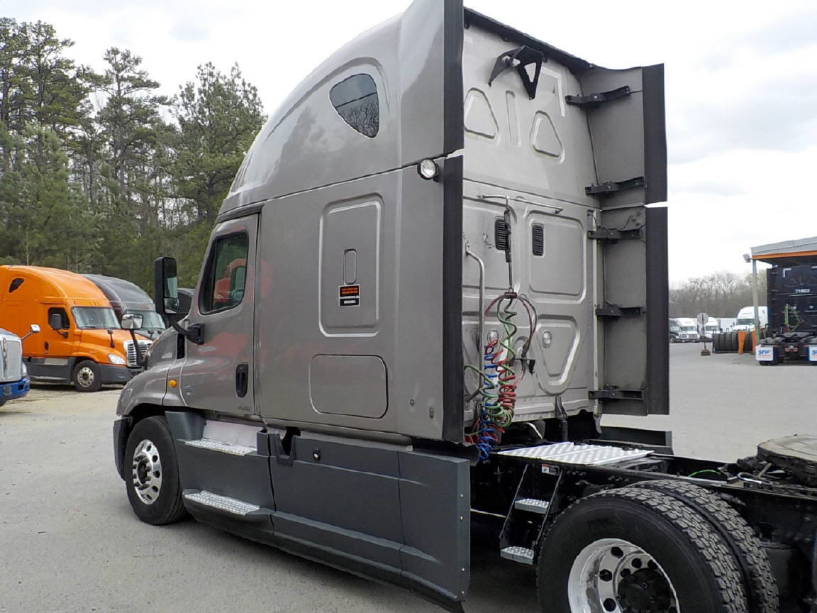 2015 Freightliner Cascadia EVO for sale-59108284