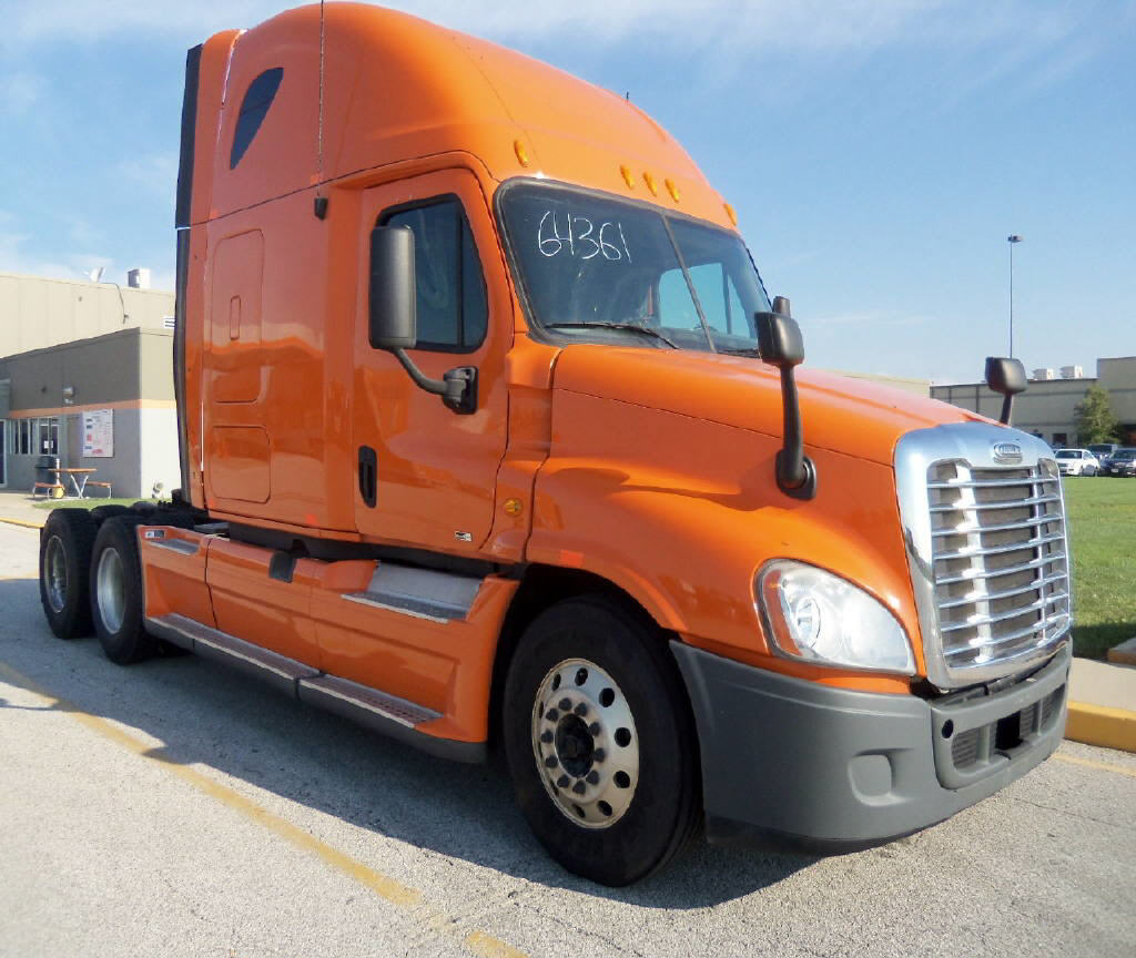 USED 2012 FREIGHTLINER CASCADIA SLEEPER TRUCK #48690