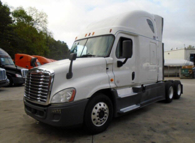 USED 2014 FREIGHTLINER CASCADIA SLEEPER TRUCK #122547