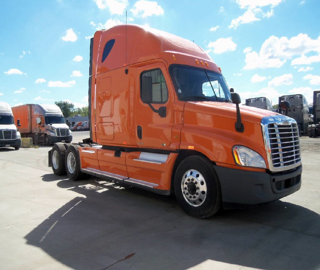 USED 2012 FREIGHTLINER CASCADIA SLEEPER TRUCK #47890