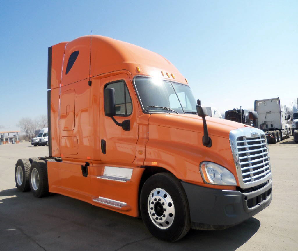 USED 2013 FREIGHTLINER CASCADIA DAYCAB TRUCK #116622