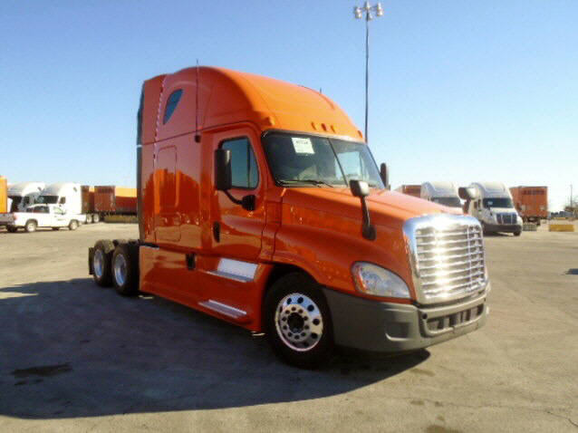 USED 2013 FREIGHTLINER CASCADIA SLEEPER TRUCK #105161