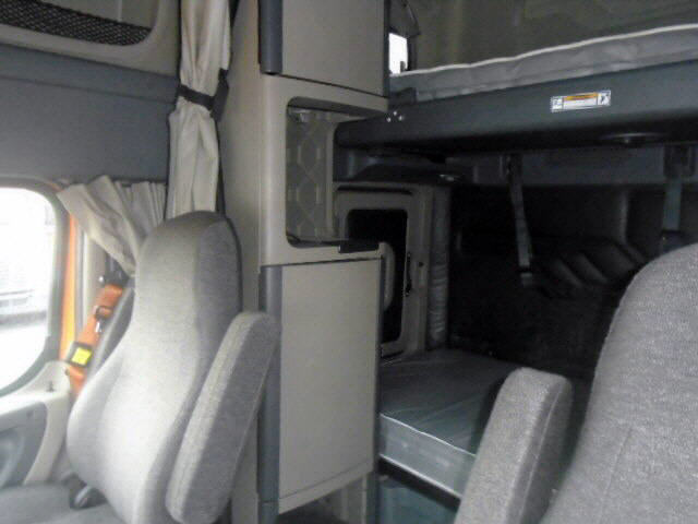 2013 Freightliner Cascadia for sale-57550271