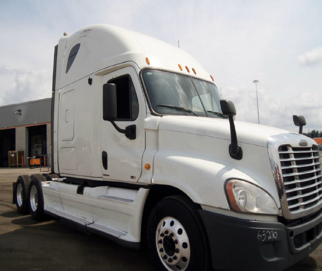 USED 2011 FREIGHTLINER CASCADIA SLEEPER TRUCK #89738