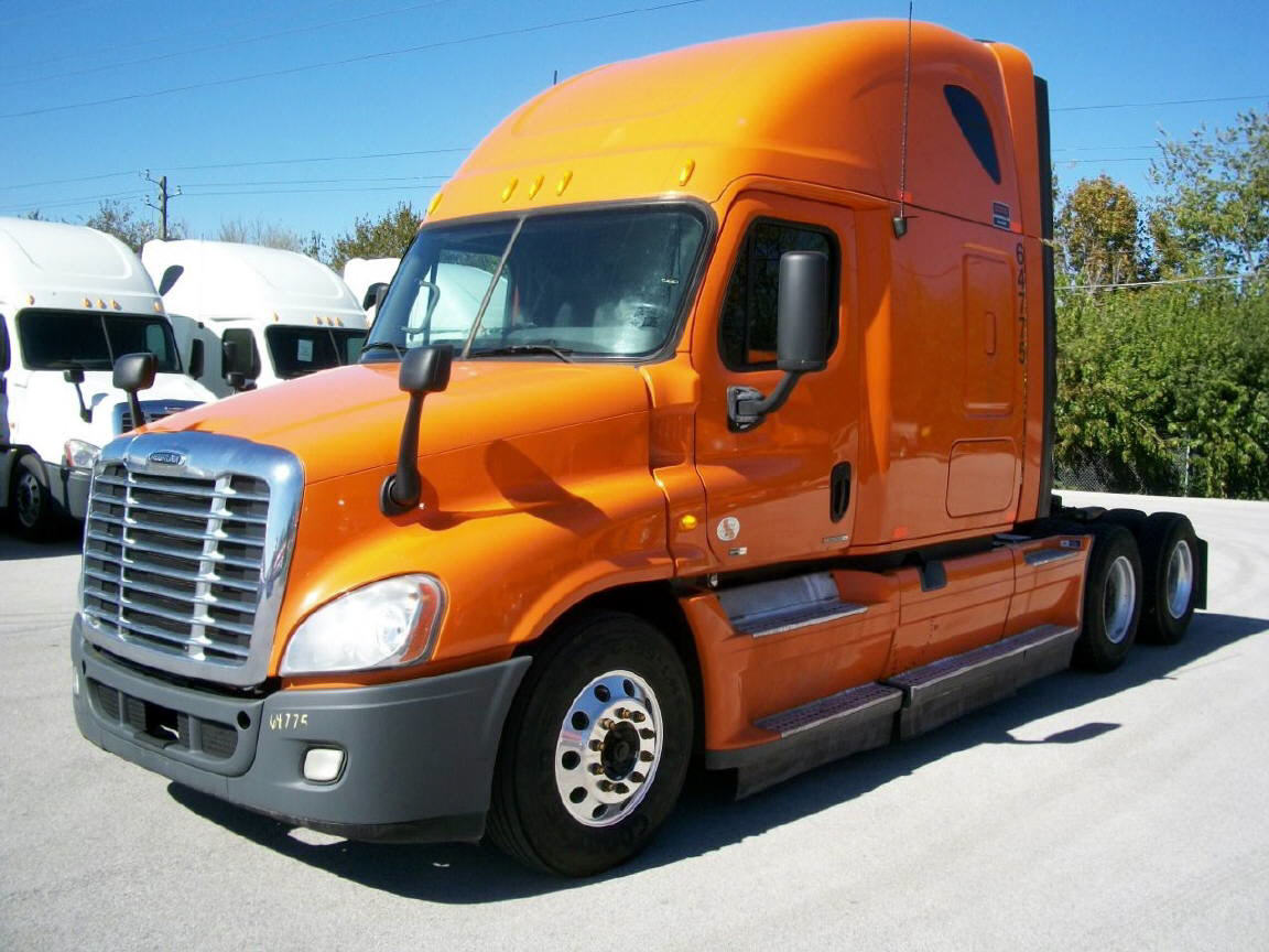 USED 2012 FREIGHTLINER CASCADIA SLEEPER TRUCK #101521