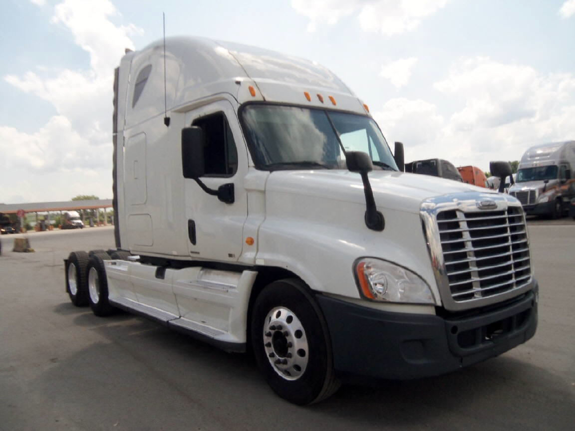 USED 2011 FREIGHTLINER CASCADIA SLEEPER TRUCK #92857