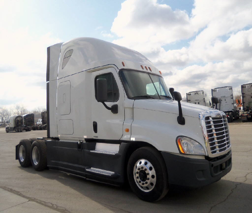 USED 2014 FREIGHTLINER CASCADIA DAYCAB TRUCK #120797