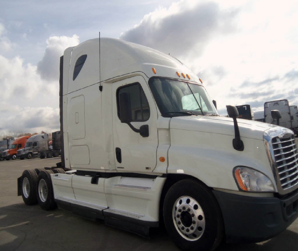USED 2012 FREIGHTLINER CASCADIA SLEEPER TRUCK #55049