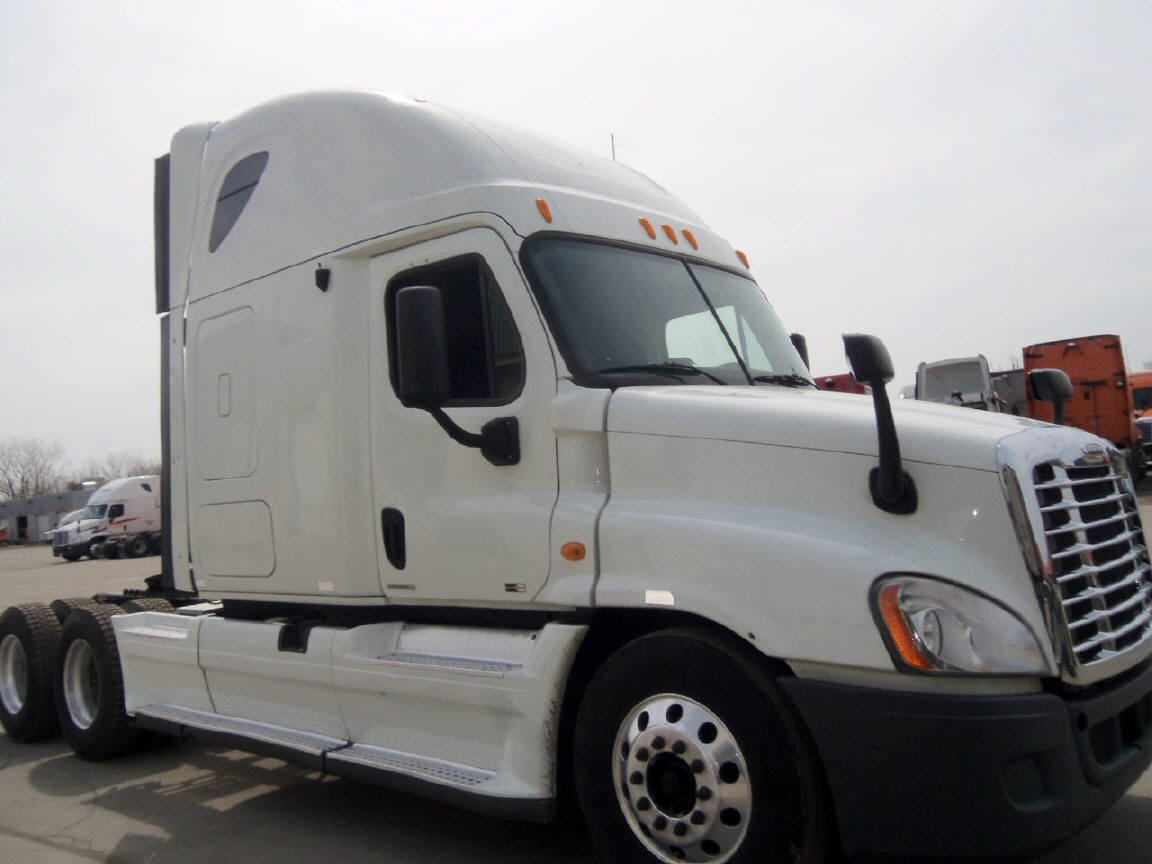 USED 2012 FREIGHTLINER CASCADIA SLEEPER TRUCK #79391
