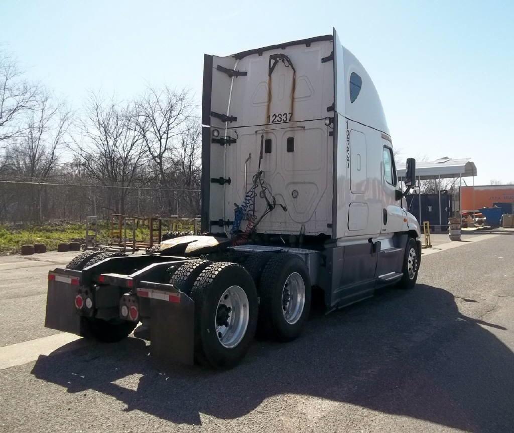 2014 Freightliner Cascadia for sale-59108247