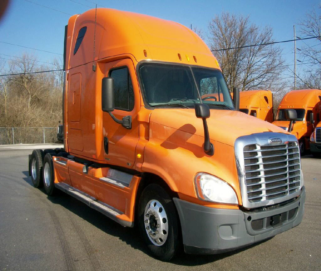 USED 2012 FREIGHTLINER CASCADIA SLEEPER TRUCK #111157