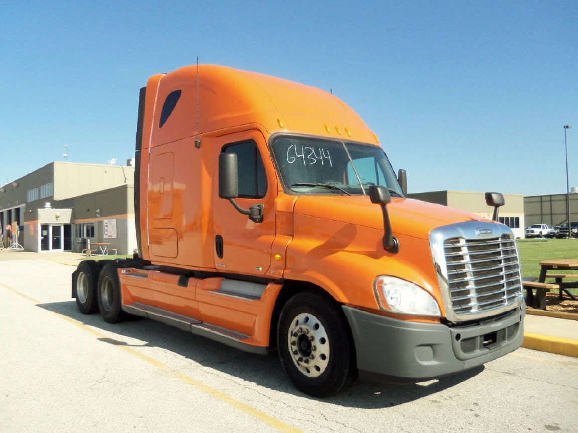 USED 2012 FREIGHTLINER CASCADIA SLEEPER TRUCK #47162