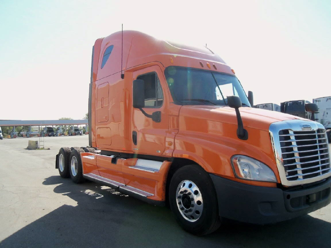 USED 2012 FREIGHTLINER CASCADIA SLEEPER TRUCK #96020