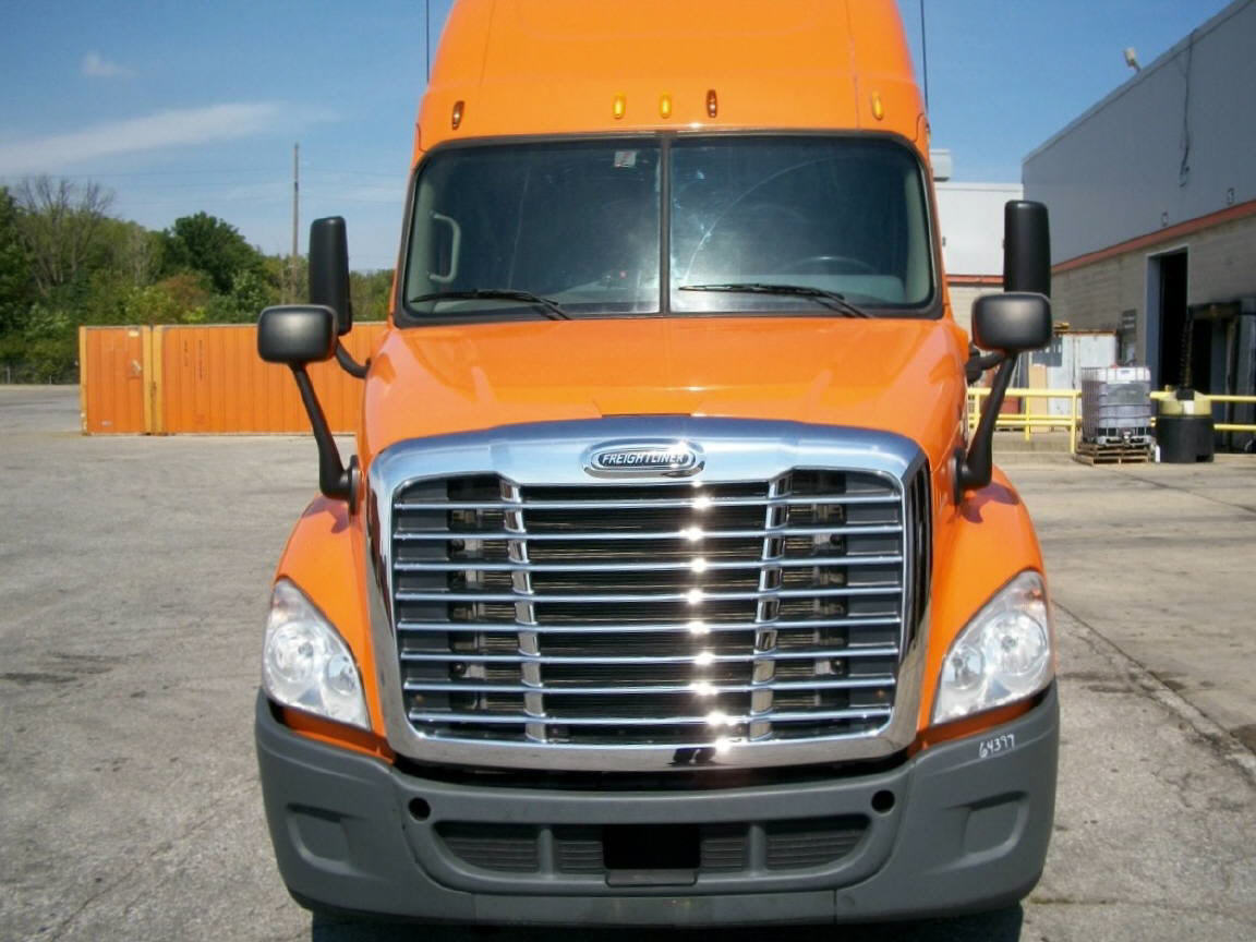 USED 2012 FREIGHTLINER CASCADIA SLEEPER TRUCK #49830