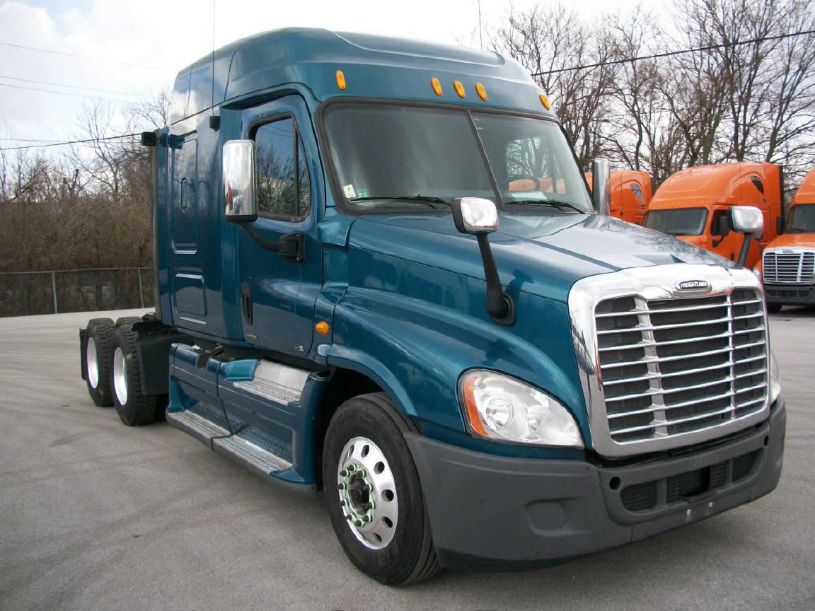 USED 2012 FREIGHTLINER CASCADIA SLEEPER TRUCK #116635