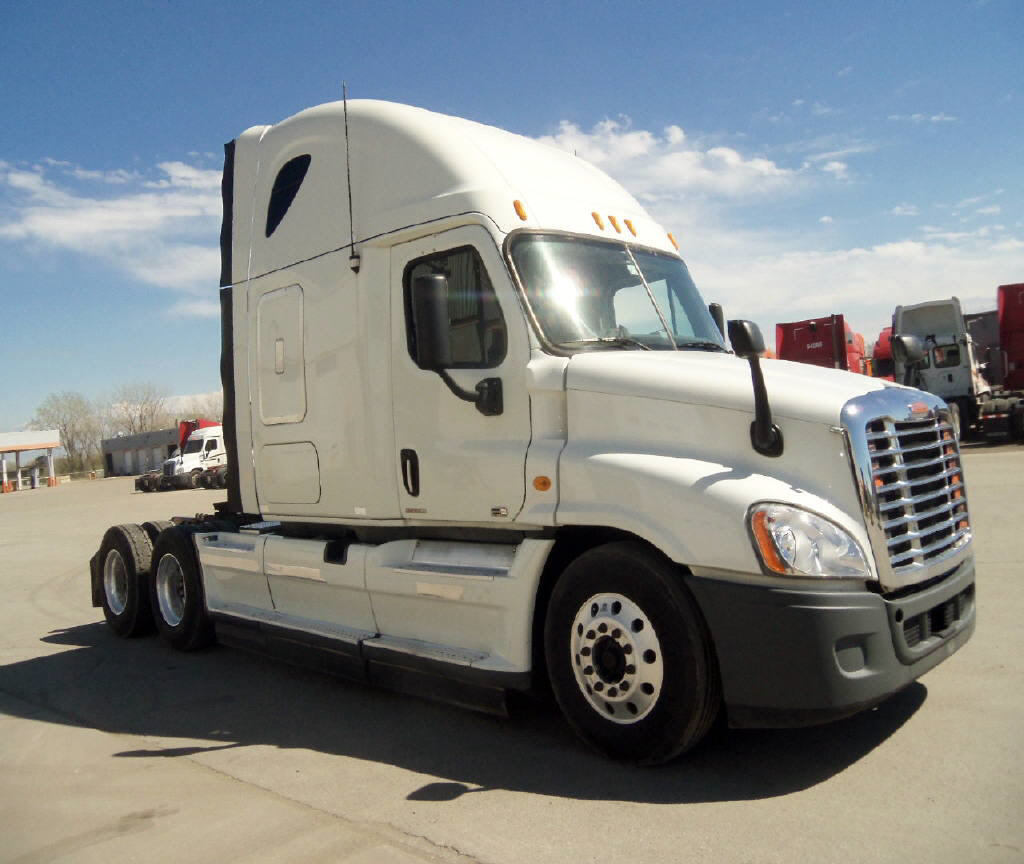USED 2011 FREIGHTLINER CASCADIA SLEEPER TRUCK #81853