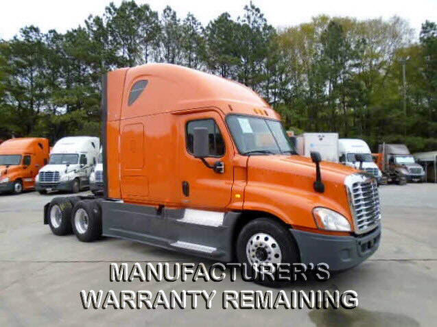 USED 2014 FREIGHTLINER CASCADIA SLEEPER TRUCK #118759