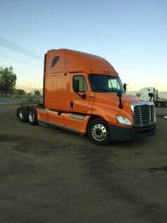 USED 2012 FREIGHTLINER CASCADIA SLEEPER TRUCK #48688