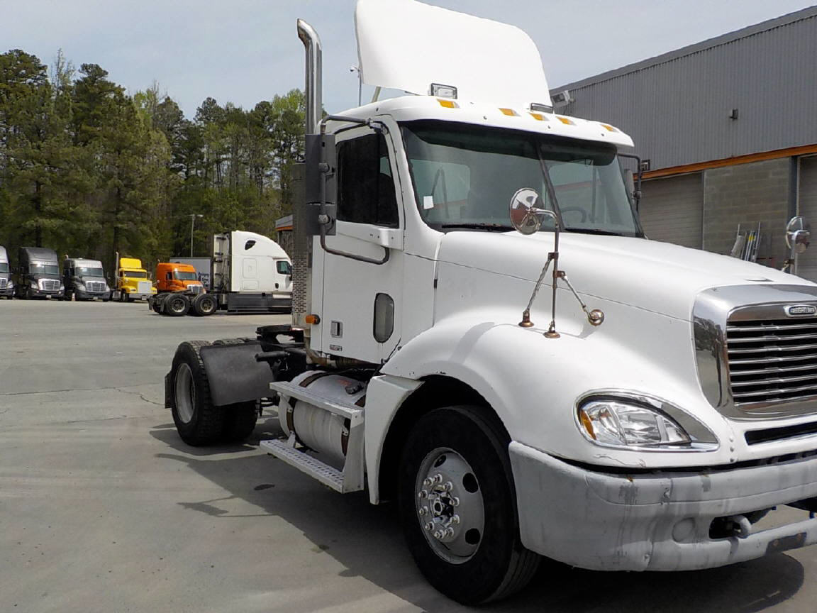 USED 2001 FREIGHTLINER COLUMBIA DAYCAB TRUCK #118761