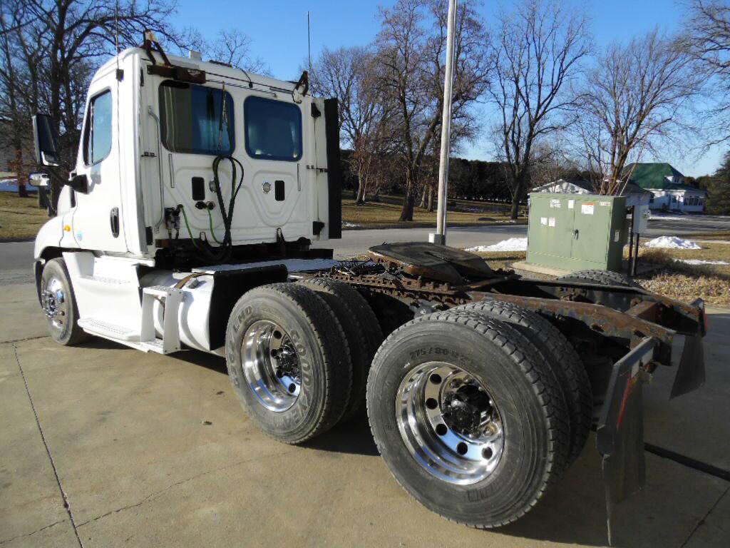 2013 Freightliner Cascadia for sale-59111049
