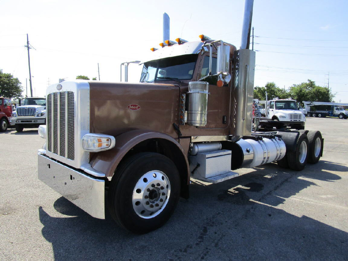 International Dt466 Ecm: 2013 Peterbilt 388