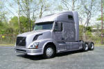 Used 2009 Volvo 670 for Sale