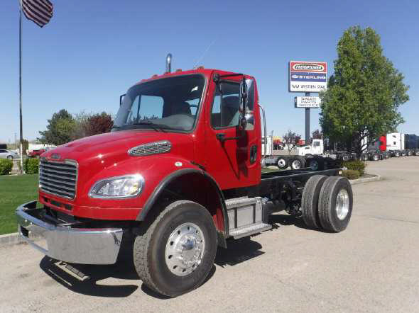 2016 Freightliner M2-106 Day Cab