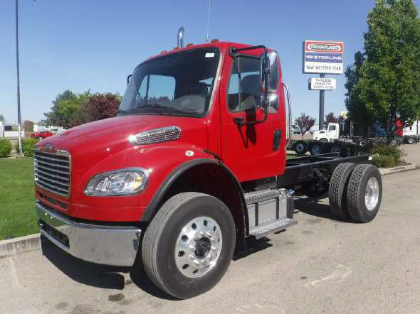 2016 Freightliner M2 106 DAY CAB