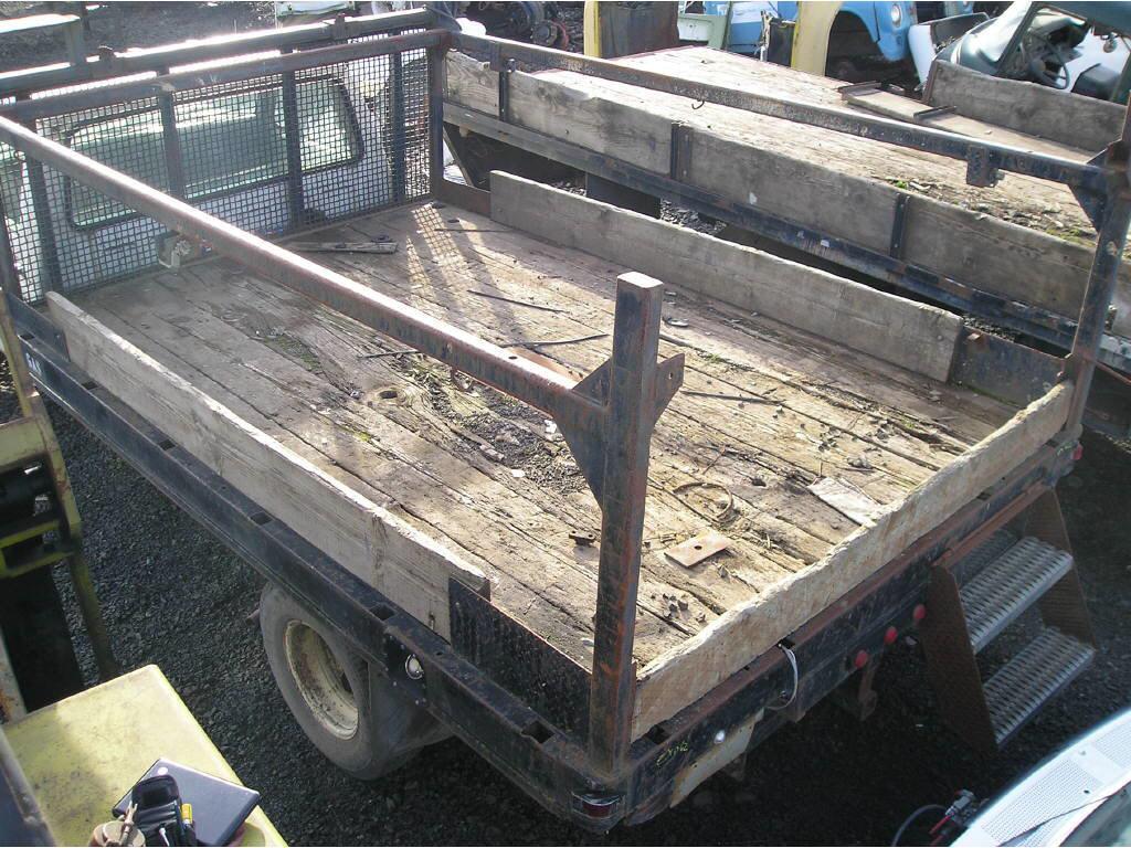 Freightliner 11ft Flatbed